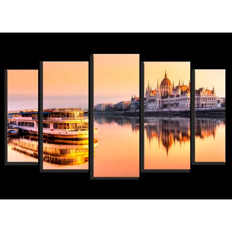 Венгерский парламент Река Пароход